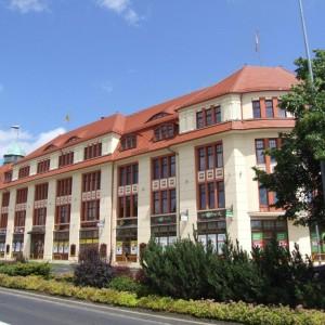 widok na front budynku - Słupsk